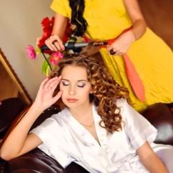 Выезд парикмахера на дом недорого Москва